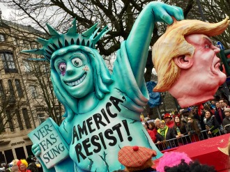 © Nath in Dass, Carnaval 2017, Trump-Wagen 2 - Jacques Tilly