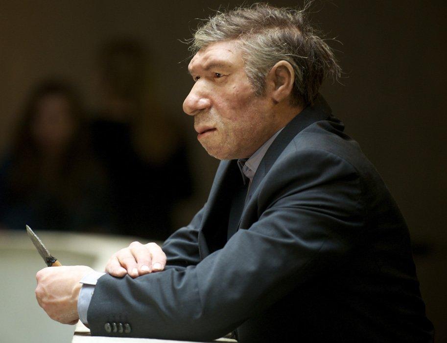 das-neanderthal-museum-hat-humor-hier-ist-ein-neanderthaler-als-george-clooney