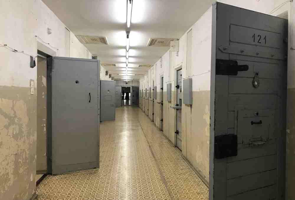 prison-berlin-stasi-la-revue-y-2